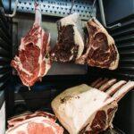 Governo, Congresso e indústria se mobilizam para rever proteções a trabalhadores de frigoríficos